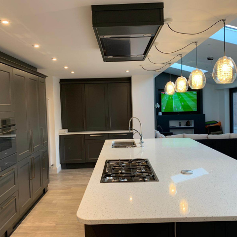 Classic-Charnwood-Diamond-Grey-Kitchen-with-Solid-Quartz-Leicester-7