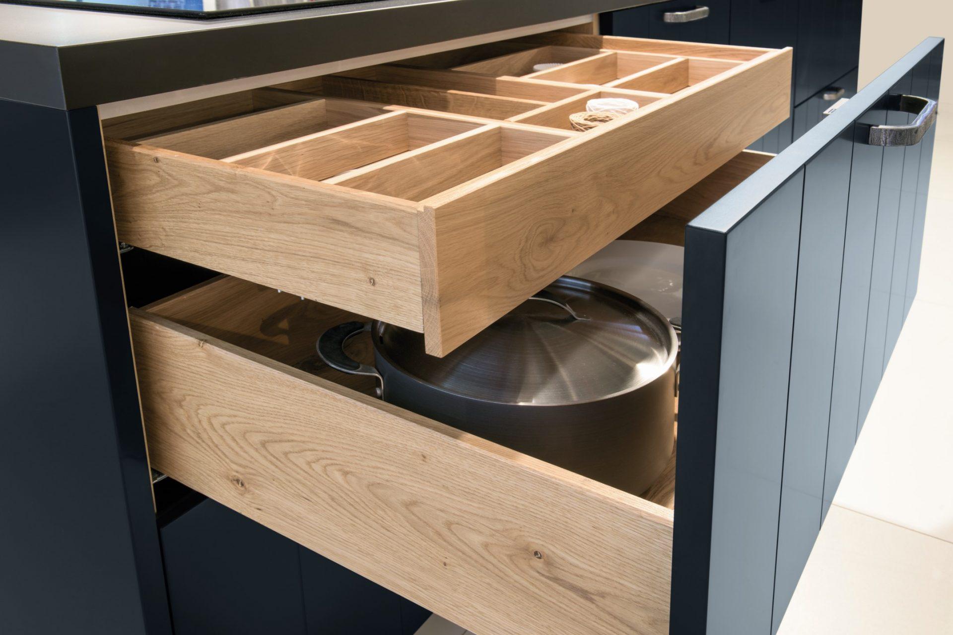 Custom Wooden Kitchen Soft Close Drawers
