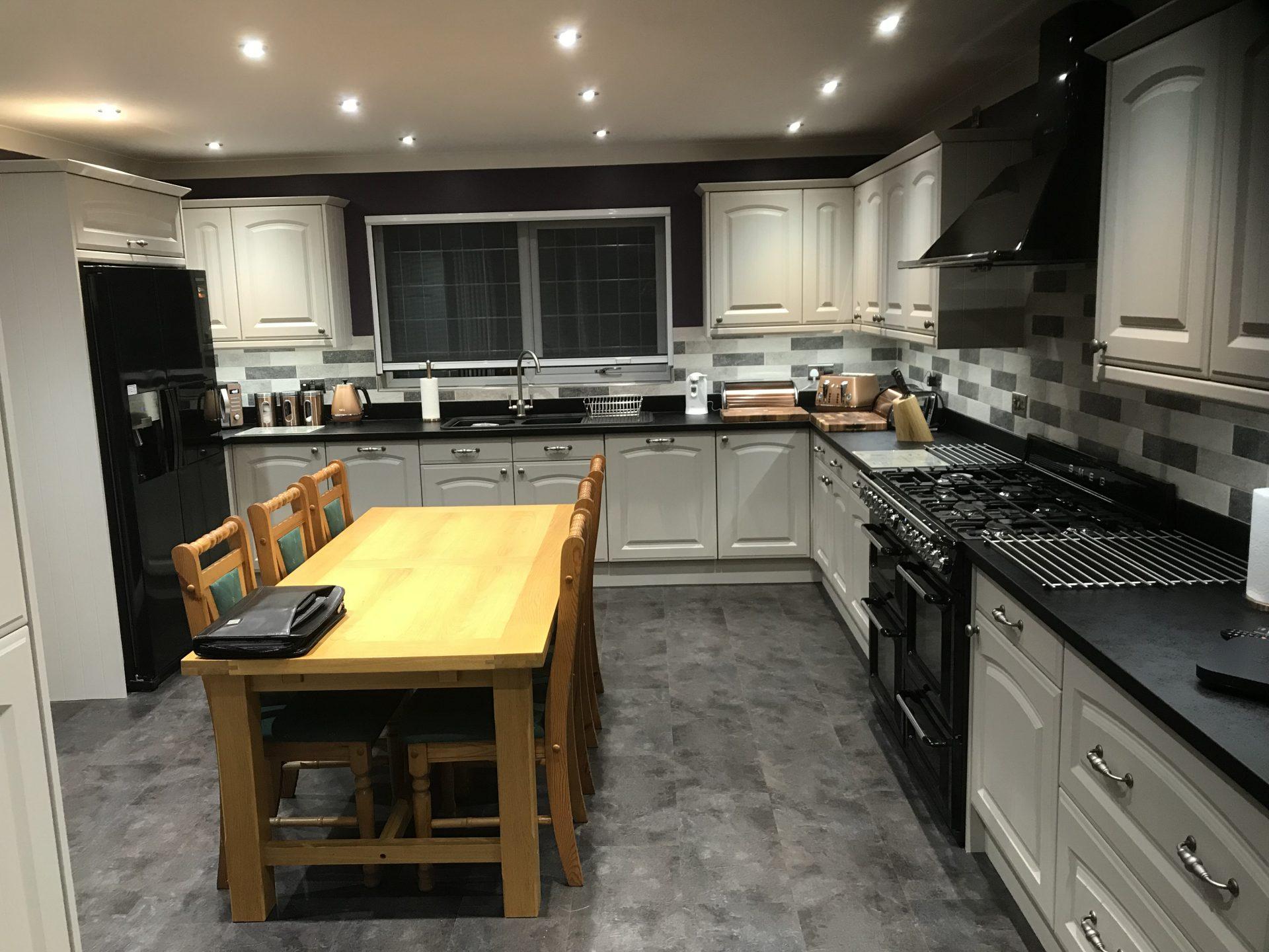 Cashmere Classic Kitchen Install - Westbury, Wiltshire