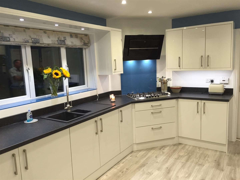 Ultra Gloss White Kitchen - Admaston Telford