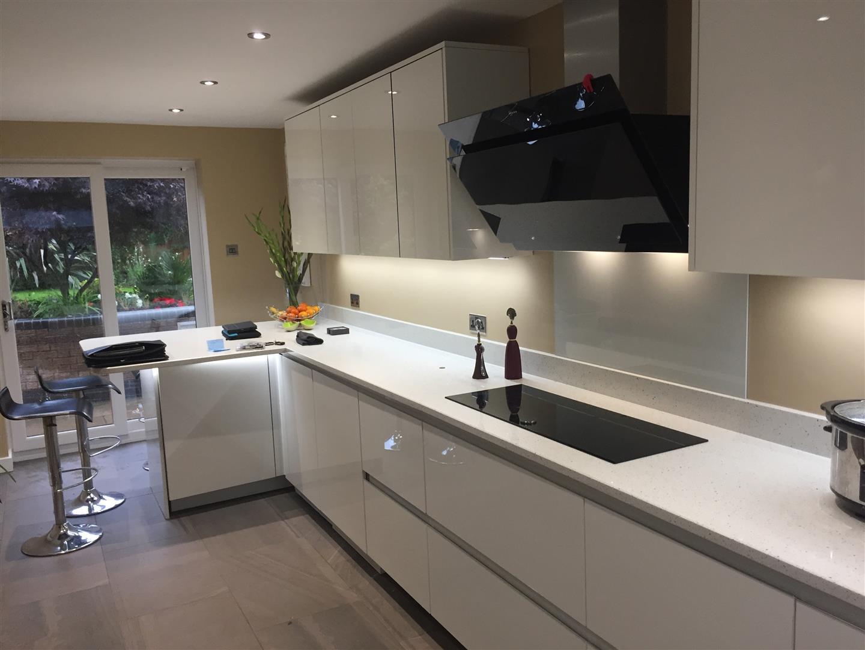 German Kitchen Contemporary Handleless with Peninsula - Priorslee, Telford