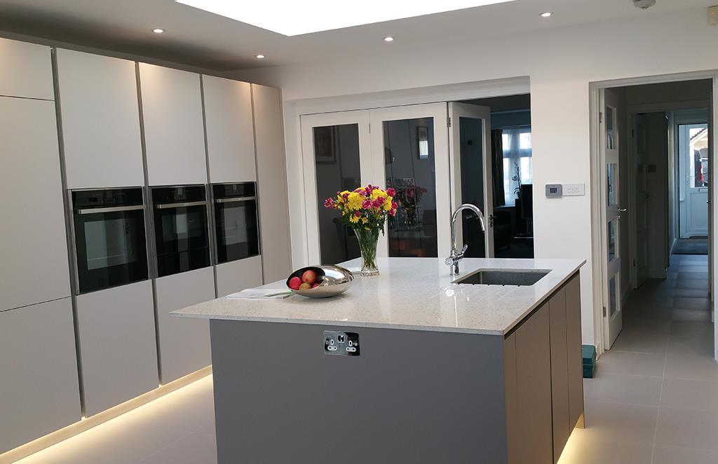 German Handle-less Kitchen - Wolverhampton